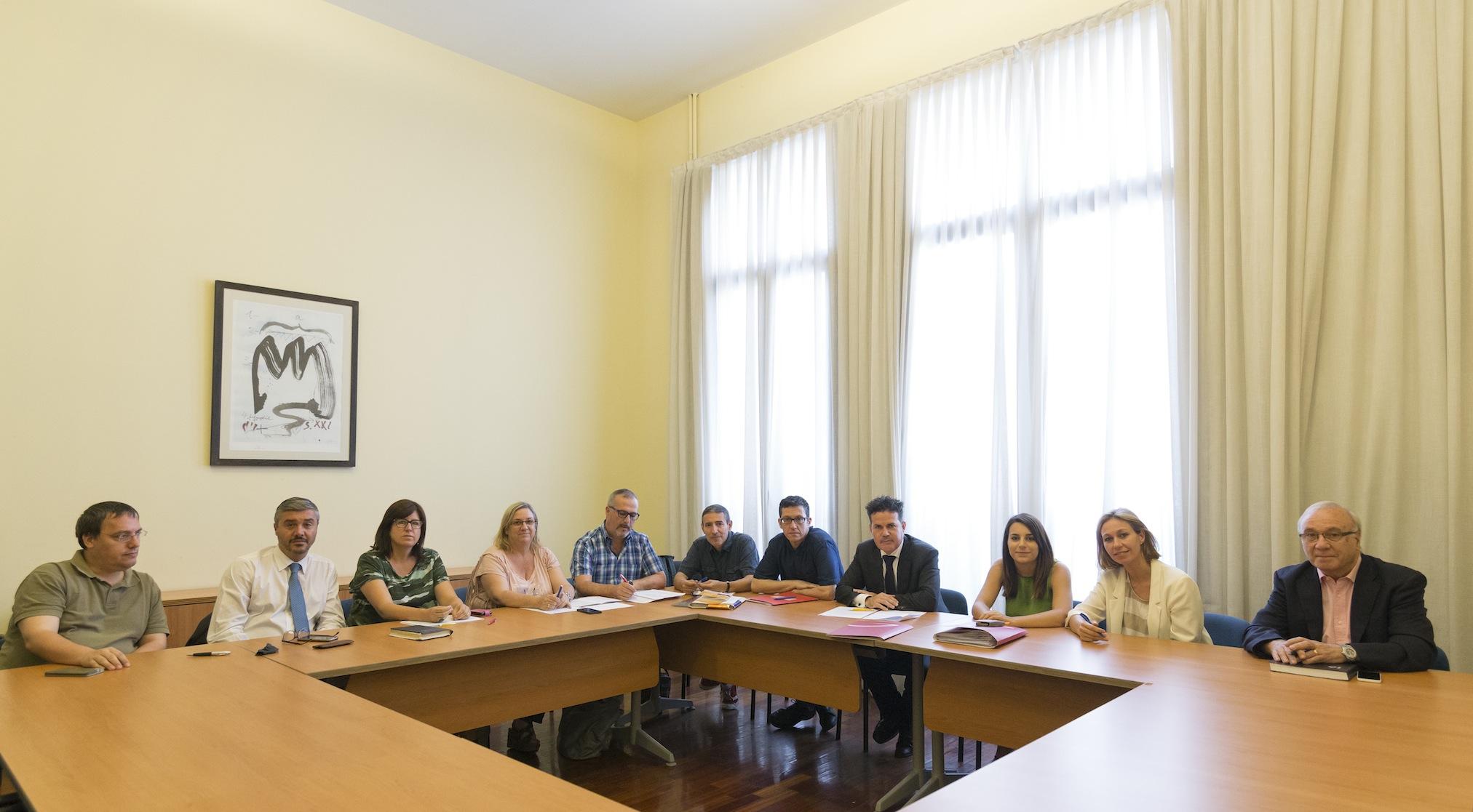 Foment ugt y ccoo renuevan el convenio colectivo de for Oficinas y despachos convenio