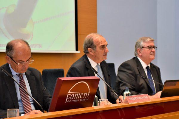 El degà dels notaris de Catalunya, Joan Carles Ollé, remarcaque la signatura electrònica mai podrà substituir la funció notarial, el consell jurídic i la garantia de legalitat que ofereix el notari