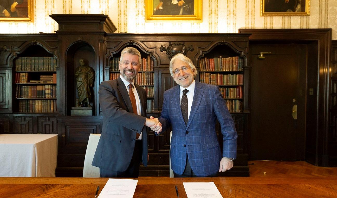 Foment y Cesce firman un acuerdo de colaboración para ofrecer servicios de prevención de la morosidad y riesgos y apoyo a la financiación