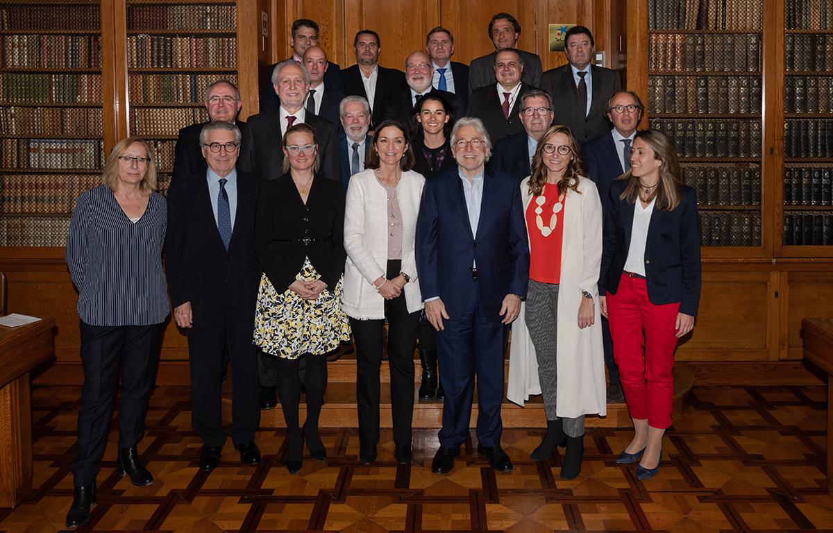 Reyes Maroto explica a Foment del Treball els reptes de la indústria i el turisme a Espanya