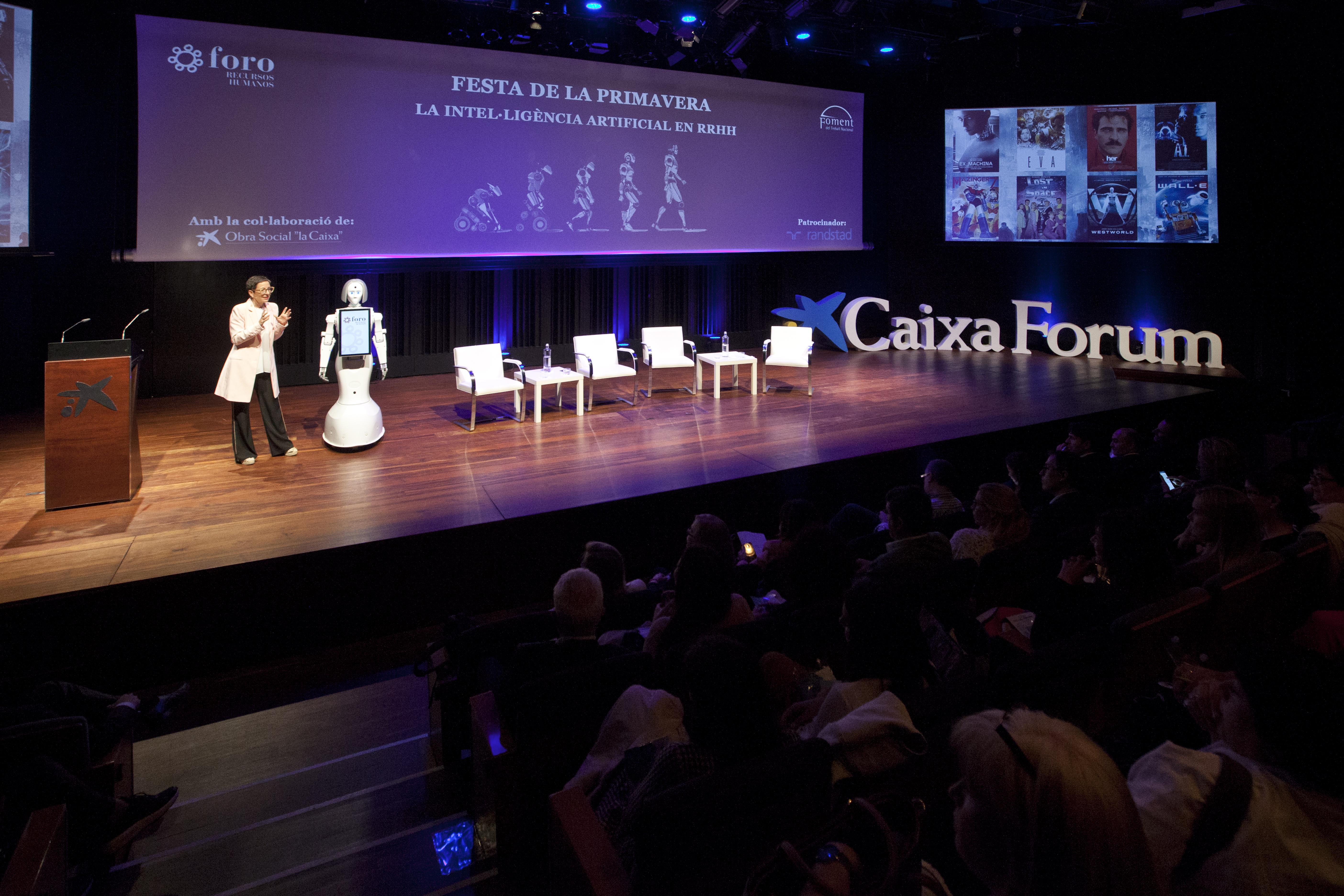 La realització professional de les persones i l'eficiència en les empreses més a prop amb la digitalització i la robòtica