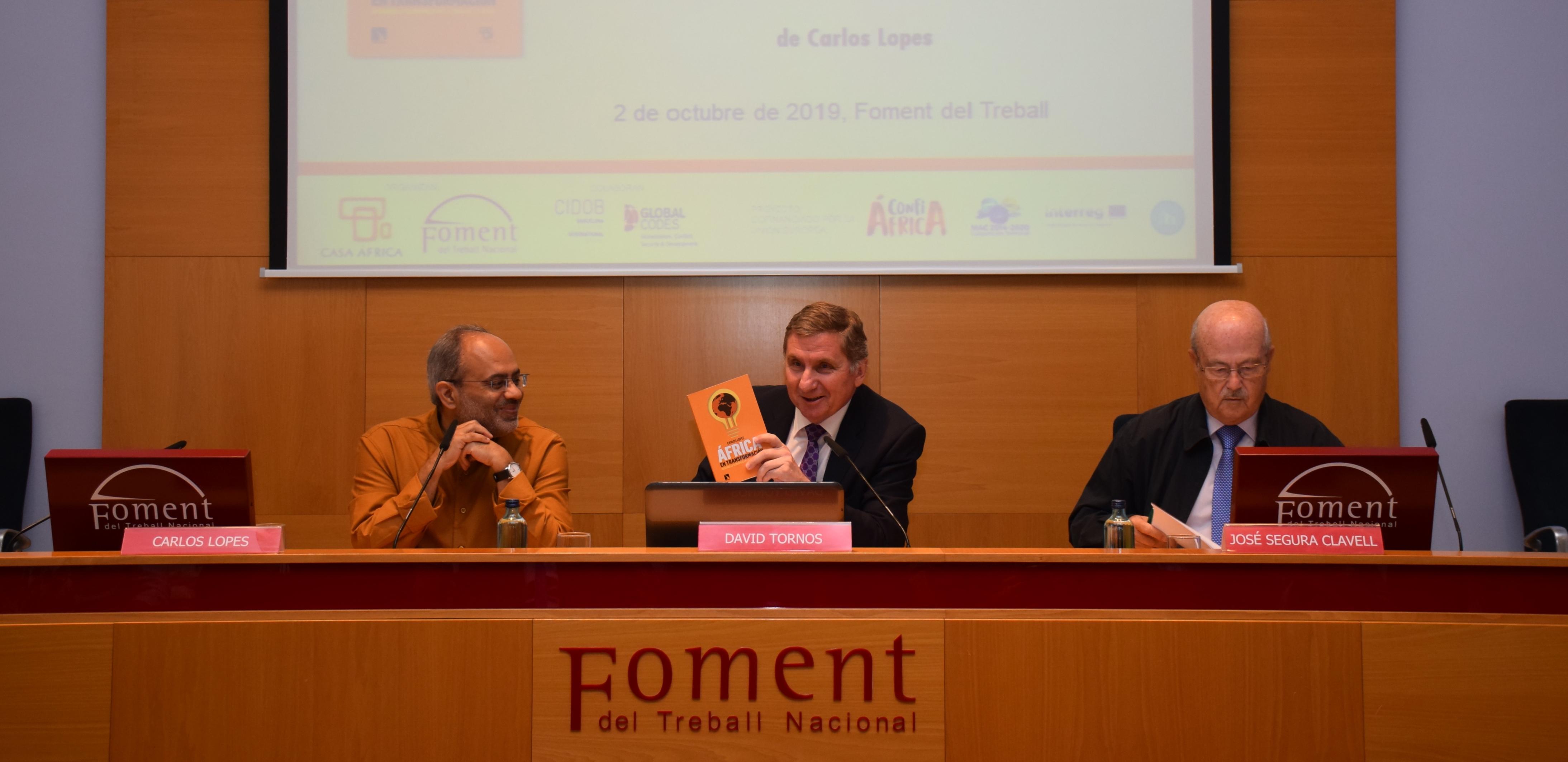 """Foment acull la presentació del llibre """"África en transformación: Desarrollo económico en la edad de la duda"""""""