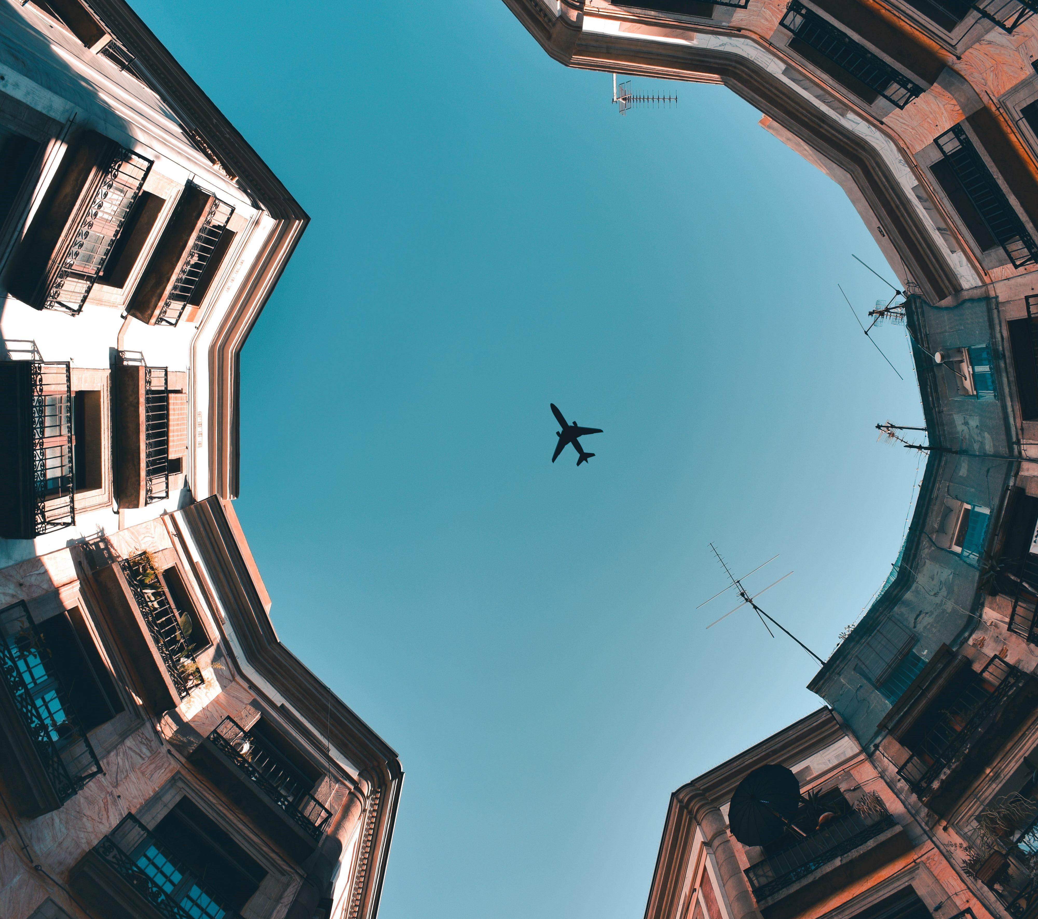 Vueling aixeca el vol i posa a la venda 180 rutes durant juny i juliol