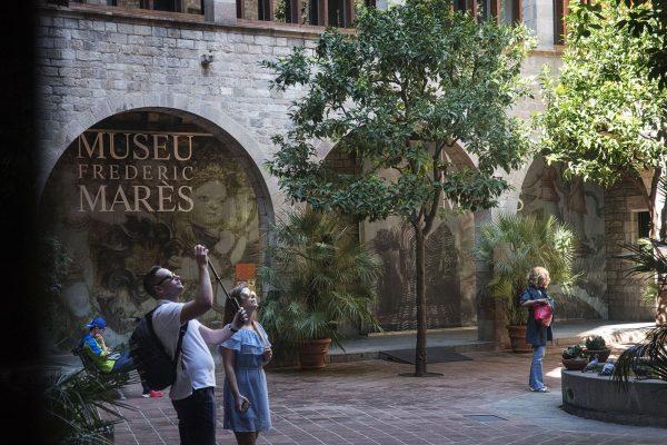 Foment s'adhereix al manifest de ConfeCat per salvar el turisme