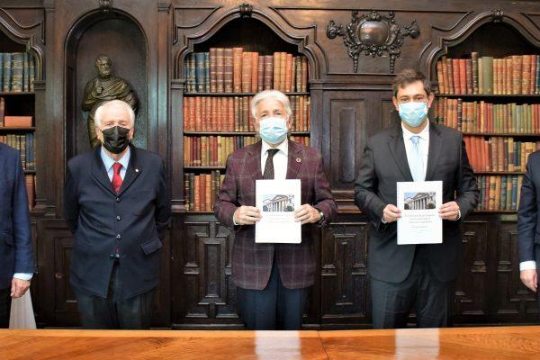Foment recibe y agradece el documento por la reindustrialización de la Asociación de exdiputados y exsenadores de las Cortes Generales