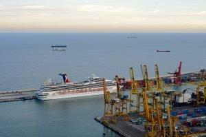 El Puerto de Barcelona remonta en noviembre la tendencia y registra un alza del 24% en el movimiento de contenedores