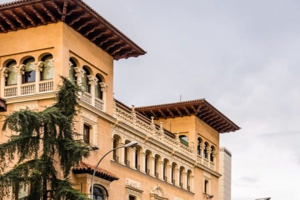 CEOE y Foment del Treball se reunen con el Defensor del Pueblo para impulsar un recurso de inconstitucionalidad contra los cambios en el Impuesto de Patrimonio