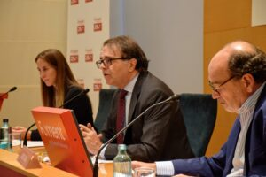 El think tank de Foment pide la colaboración del Ayuntamiento de Barcelona y la Generalitat para articular el área metropolitana